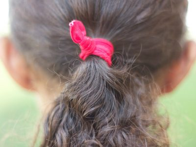 6 Awesome Ways to Accessorize Curly Hair